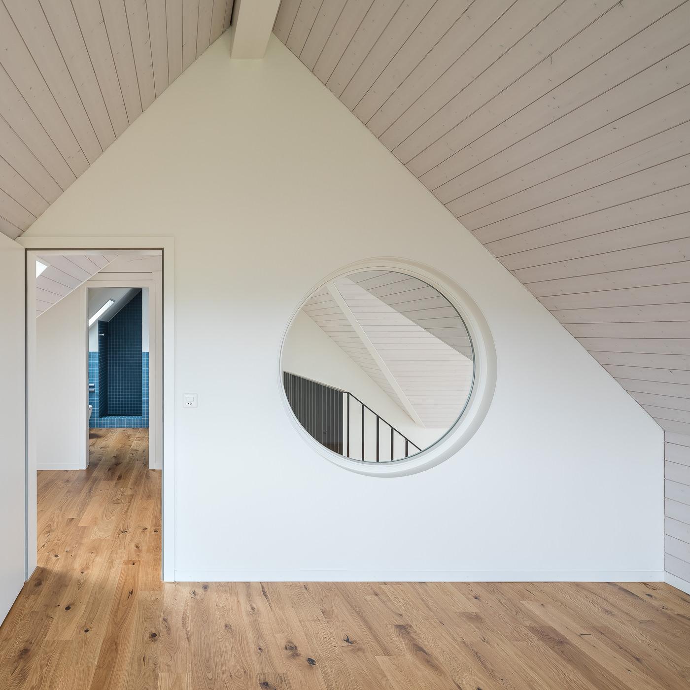 buan architekten – Umbau Attikawohnung Willisau – Foto – Dachzimmer